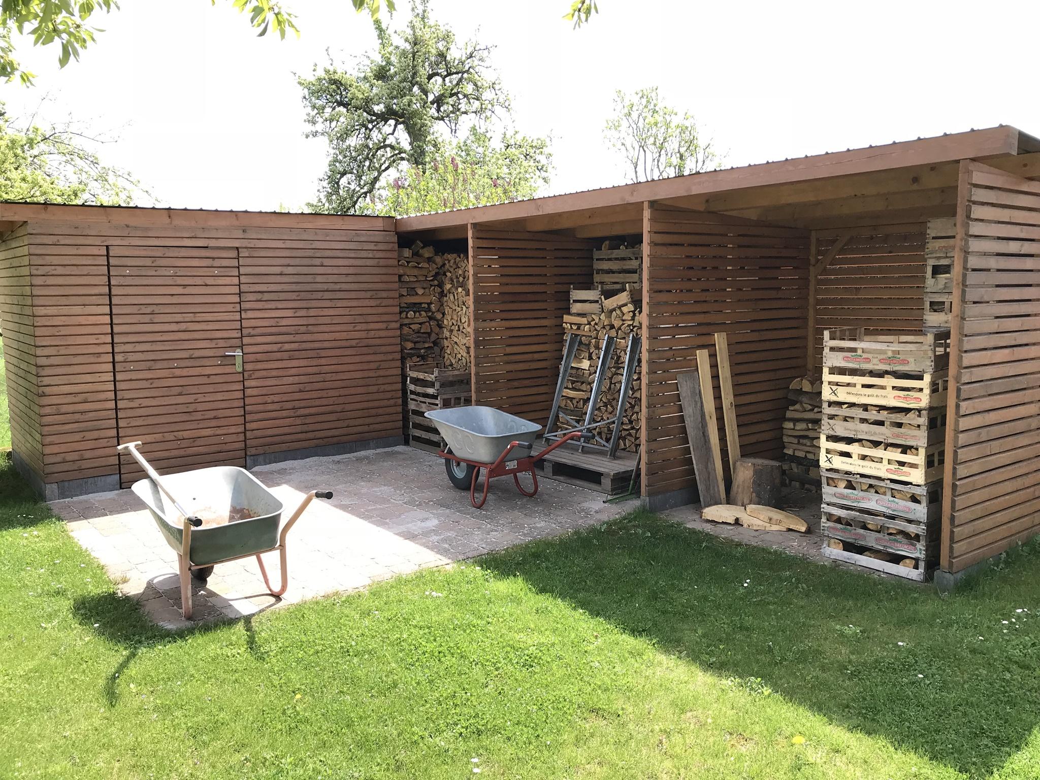 Exquisit Poolhaus Bauen Sammlung Von Mit Großem Holzlager